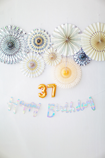 Happy Birthday レターバナー / イリディセントカラー